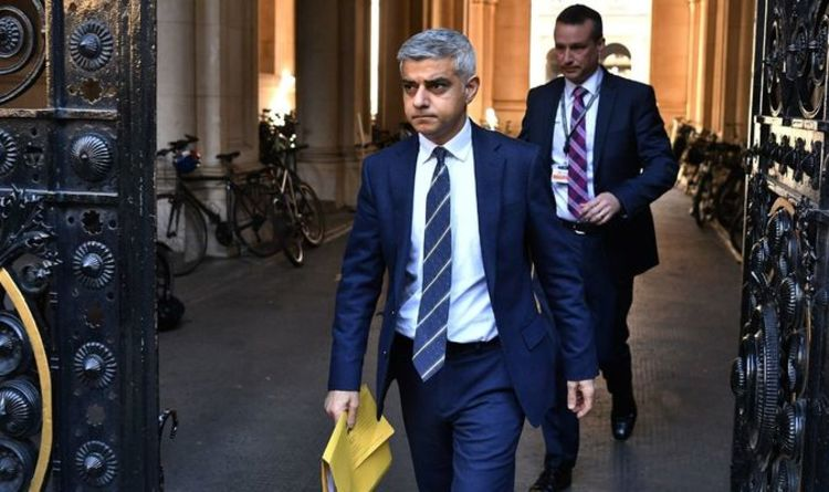 Britons furious over Sadiq Khan's dithering Tube face mask rules – 'Show some humility!'