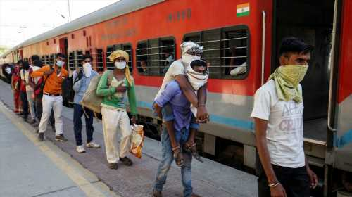 Outrage after India asks migrants to pay for train journey