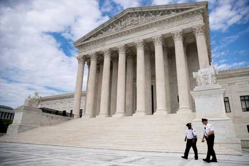 U.S. Supreme Court blocks Trump's decision to end DACA – The Denver Post
