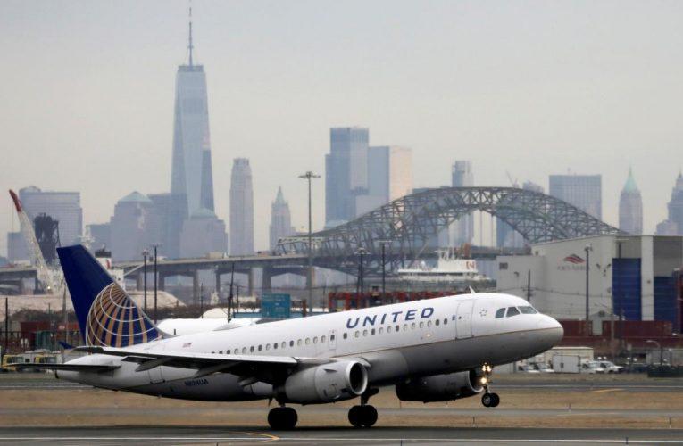 United Airlines pledges loyalty program for $5 billion loan