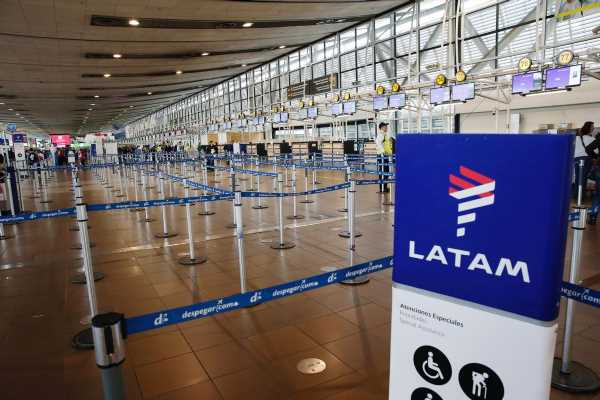 LATAM Airlines bondholders in talks to supply up to $1.5 billion loan, sources say
