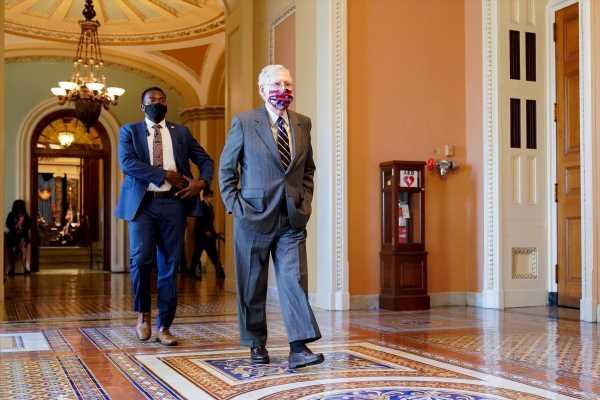 White House, congressional Democrats go fourth day without coronavirus talks