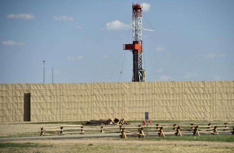 Colorado oil, gas panel tackles well setbacks