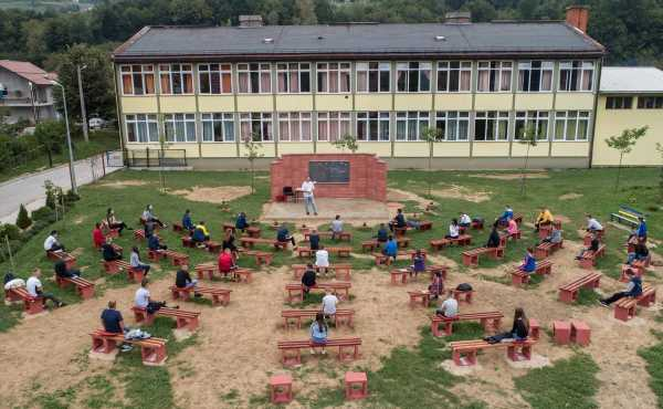 Teachers in Bosnian village build open-air classroom to protect children from COVID-19