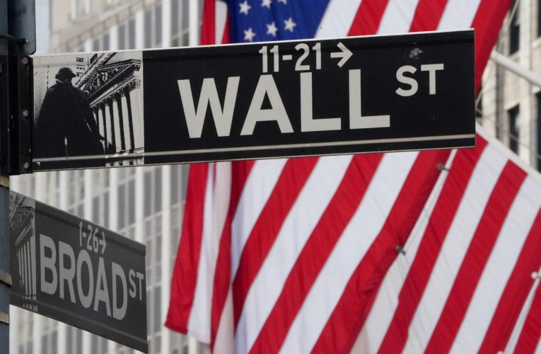 Wall Street drops as tech stocks struggle for direction