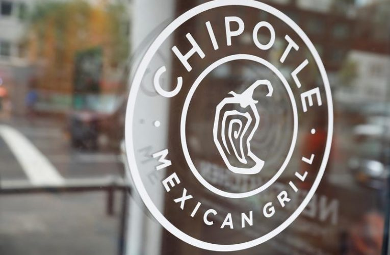 Chipotle profit falls on higher coronavirus-related expenses