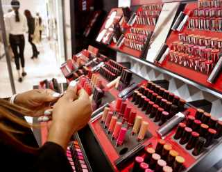 Study: Online Beauty Shoppers Reluctant to Try New Brands, Products