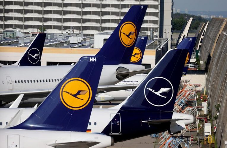 Lufthansa warns of higher cash drain, restructuring costs in fourth quarter