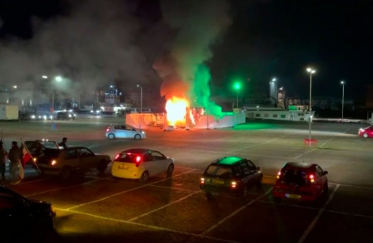COVID-19: Riots erupt in Netherlands during protests over lockdown curfew