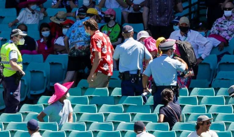 Australia v India: Fans thrown out of stadium over alleged racist abuse