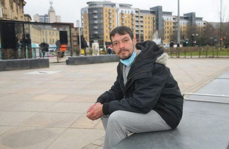 Homeless dad went from 'living the dream' to losing everything in two years
