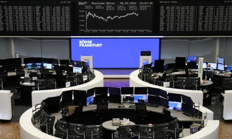 Global shares slide after hedge fund's default