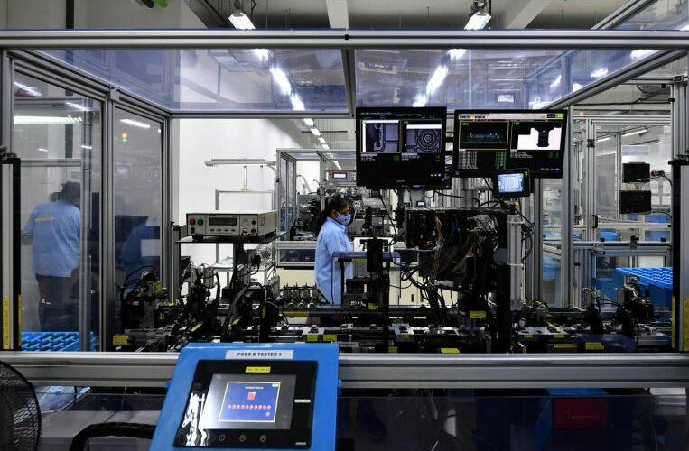 Singapore factory output falls 1.7% from February, breaking 4-month growth streak