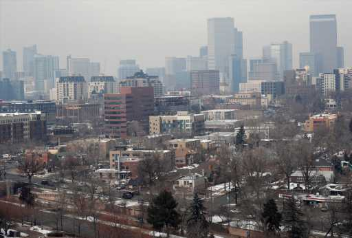 Environmental groups call on Colorado to stop issuing air pollution permits