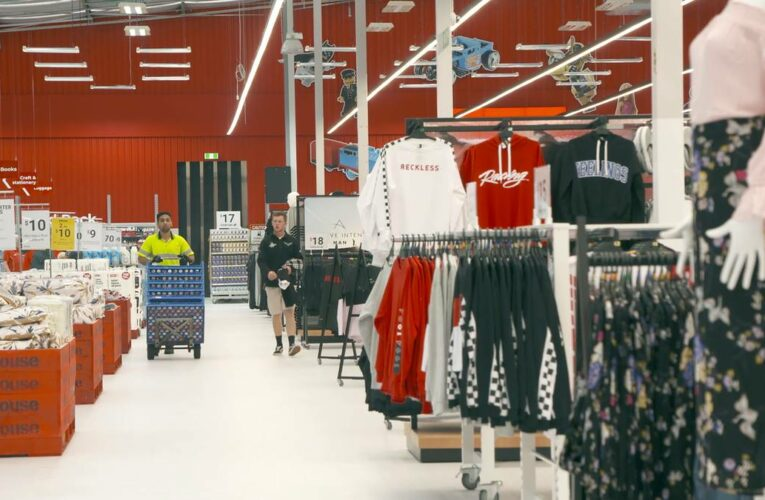 Market close: The Warehouse a highlight on otherwise dreary day for local stocks