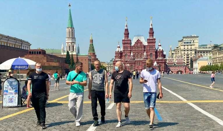 COVID-19: Vaccine hesitancy and lax approach to lockdown triggers record high coronavirus deaths in Moscow