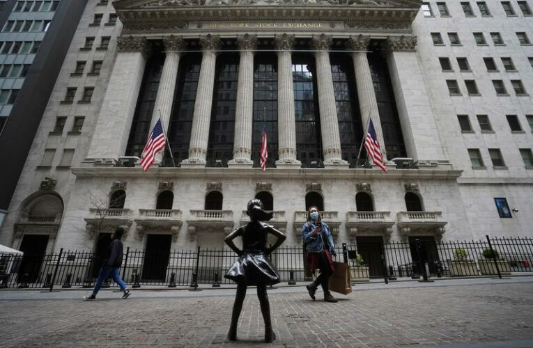Wall Street mixed as buyers step to sidelines