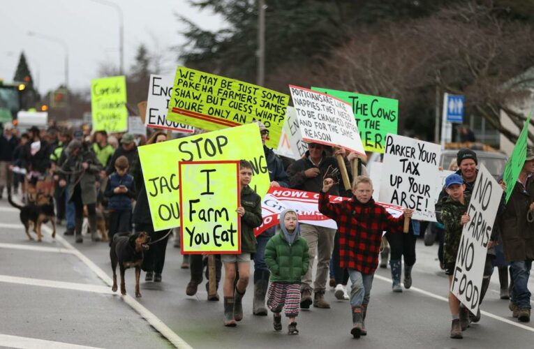 Howl of a Protest: Thousands descend on South Island's main centres to protest unworkable regulations for farmers