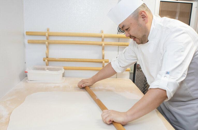 Sarashina Horii, Specializing in Soba Noodles, Opens