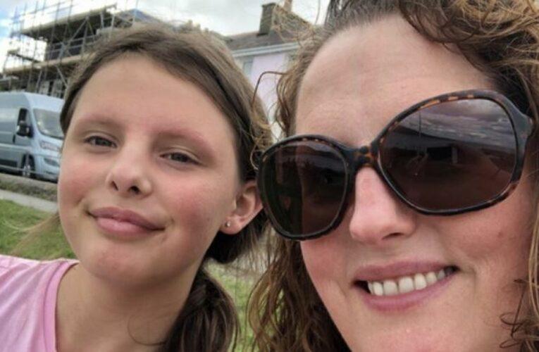 Schoolgirl left terrified after cops in riot van check if she's self-isolating