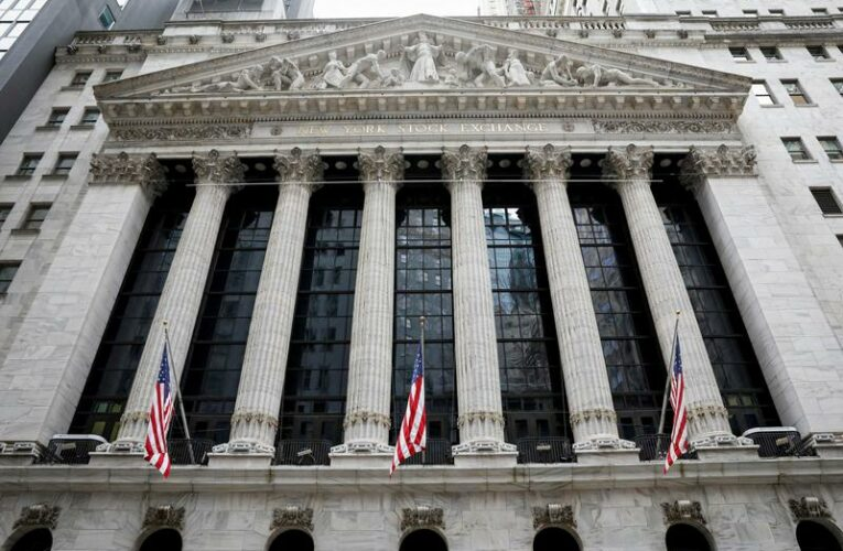 Wall Street set for subdued open; jobless claims fall