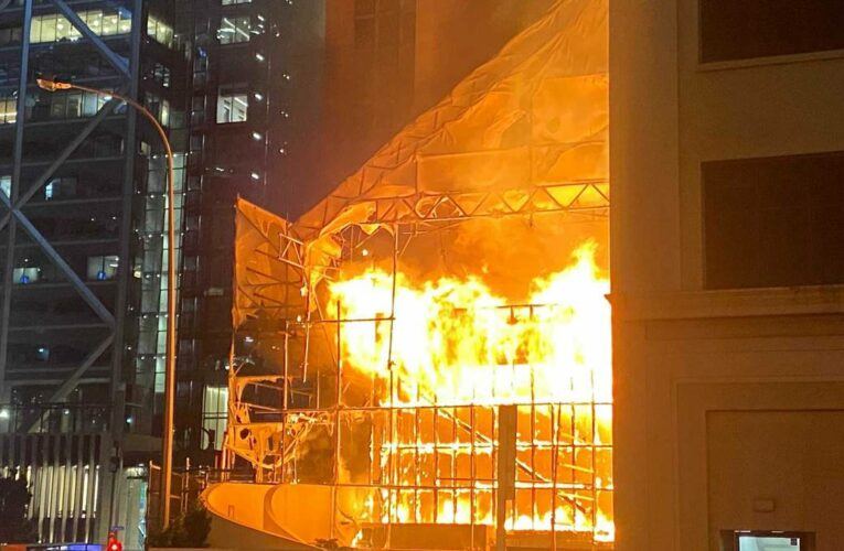 Raging fire guts Auckland CBD construction site next to West Plaza tower