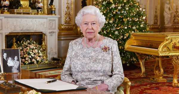 Queen will avoid discussing 'family troubles' in Christmas speech, expert claims
